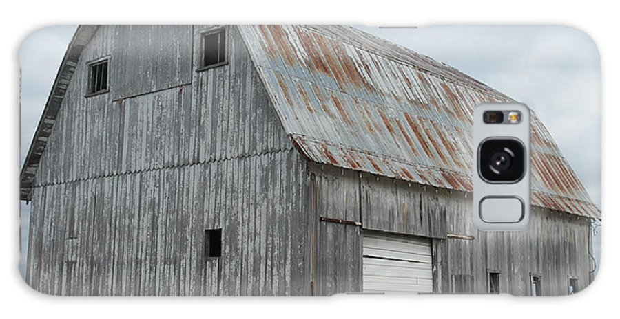 Barn. White Door Galaxy S8 Case featuring the photograph Rusty Roof Barn by Minnie Davis