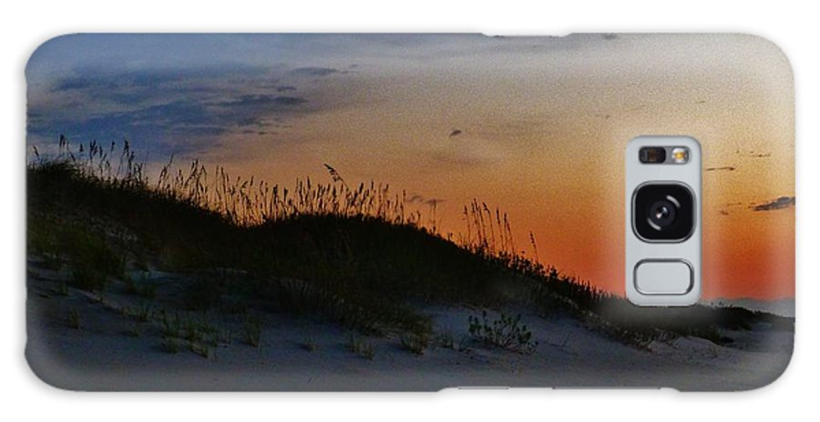 Seascape Galaxy S8 Case featuring the photograph Sand Dune Sunrise by Holly Dwyer