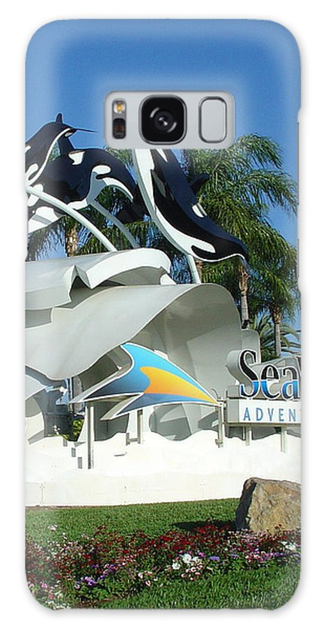 Sea World Galaxy S8 Case featuring the photograph Seaworld Anticipation by David Nicholls