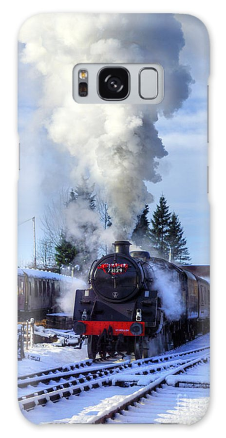 73129 Galaxy S8 Case featuring the photograph Snowy Day Departure by David Birchall