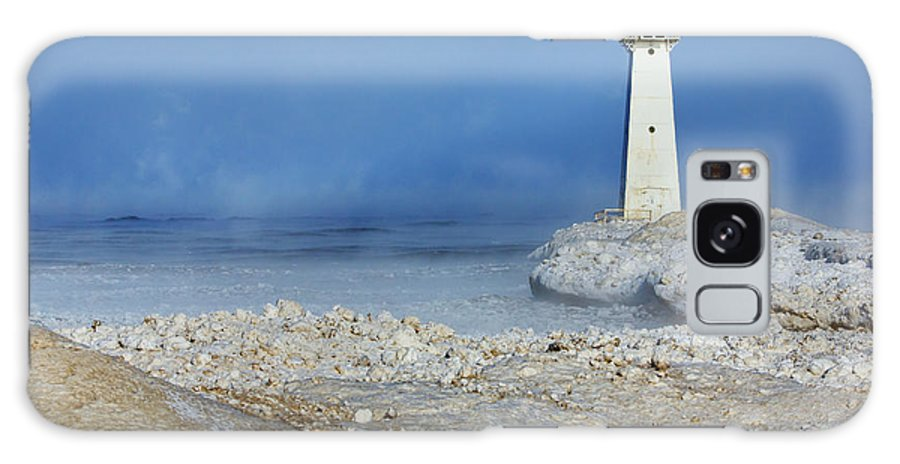 Lighthouse Galaxy S8 Case featuring the photograph Sodus Point Lighthouse by Everet Regal