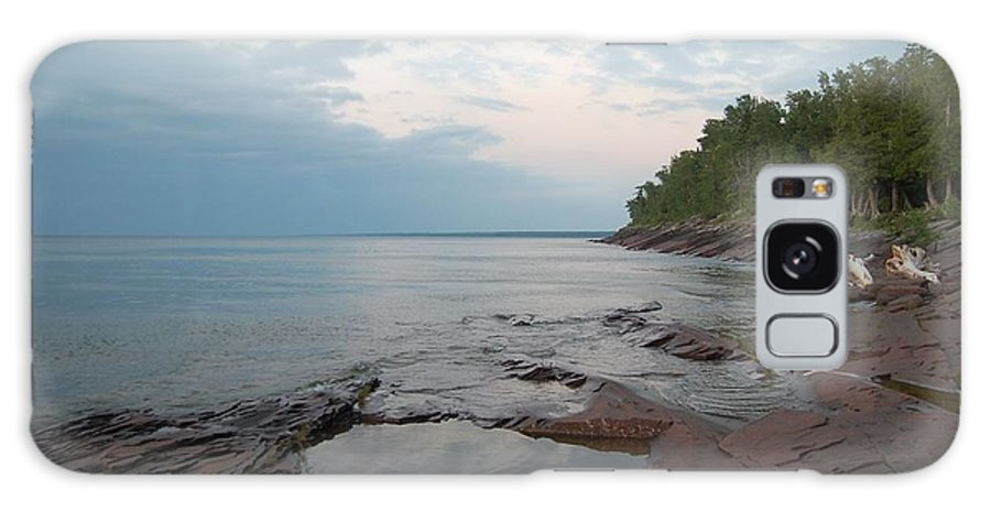 Lake Superior Galaxy S8 Case featuring the photograph South Shore Of Lake Superior by Katy Noun