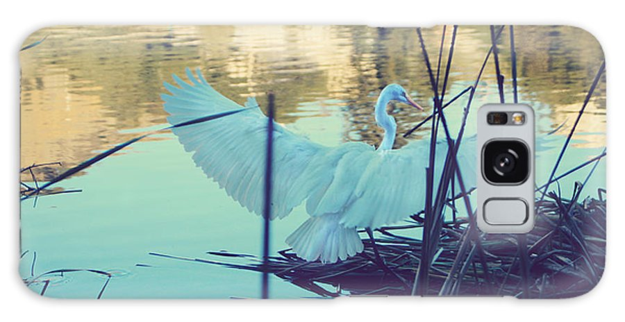 Egrets Galaxy S8 Case featuring the photograph Spread Those Wings And Fly by Laurie Search