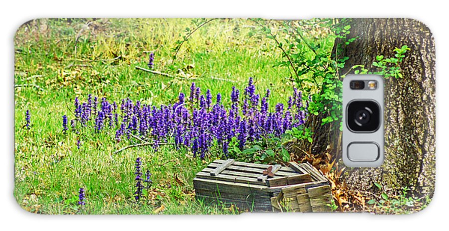 Flower Galaxy S8 Case featuring the photograph Spring Scene by Joe Geraci