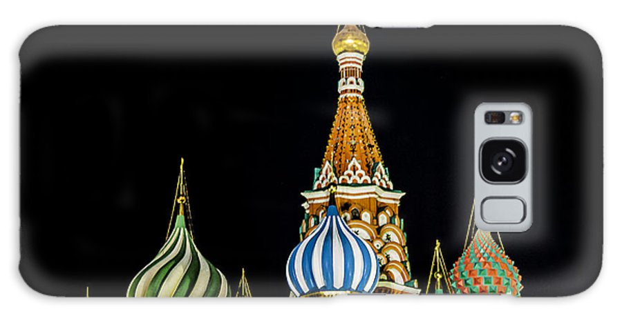 St. Basil's Cathedral Galaxy S8 Case featuring the photograph St. Basil's Cathedral At Night by Madeline Ellis