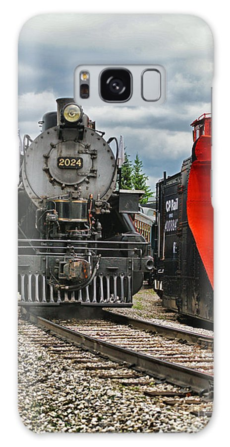Trains Galaxy S8 Case featuring the photograph Steam Train Tr3637-13 by Randy Harris