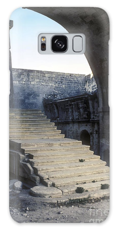 Montmajor France Step Steps Ruin Ruins Monastery Monasteries Galaxy S8 Case featuring the photograph Steps To Paradise by Bob Phillips