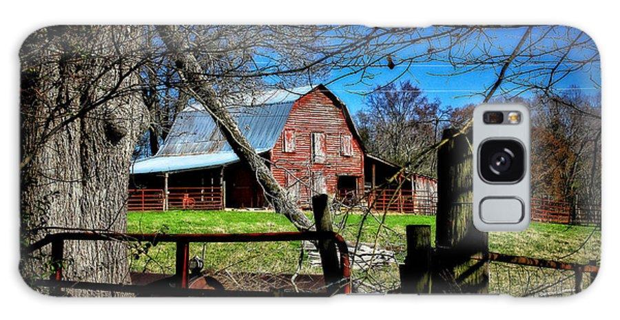 Reid Callaway Red Barn Galaxy S8 Case featuring the photograph Still Useful Rustic Red Barn Art Oconee County by Reid Callaway