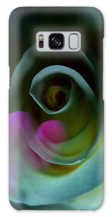 Heart Galaxy S8 Case featuring the photograph Stolen Heart by Shirley Sirois