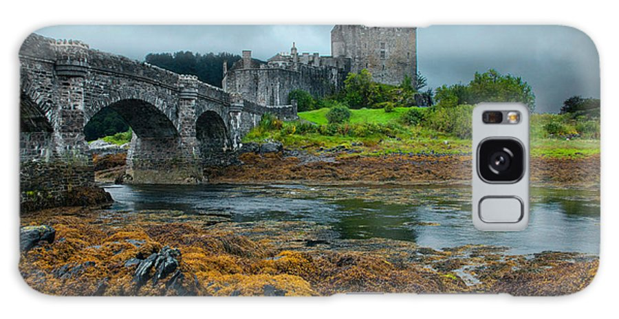 Scotland Galaxy S8 Case featuring the photograph Storming The Castle by Jim Southwell