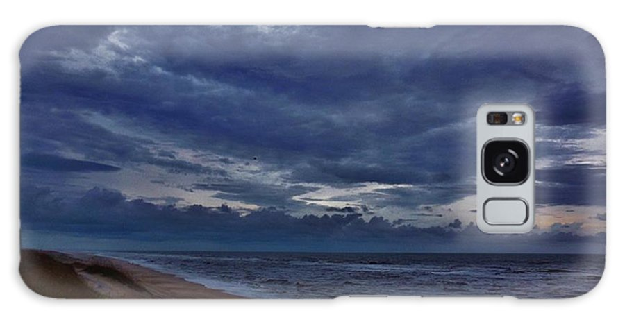 Mark Lemmon Cape Hatteras Nc The Outer Banks Photographer Subjects From Sunrise Galaxy S8 Case featuring the photograph Stormy Morning 2 11/11 by Mark Lemmon