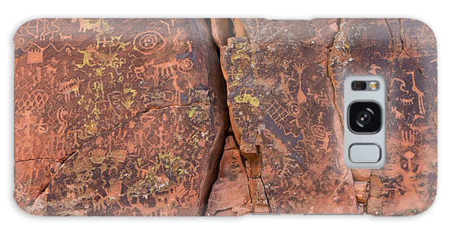 Petroglyphs Galaxy S8 Case featuring the photograph Story In Pictures by Jerry Fornarotto