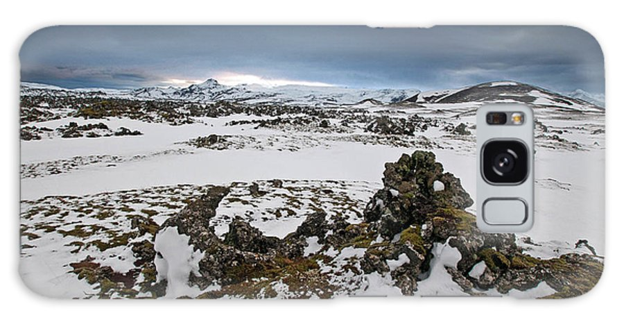 Iceland Galaxy S8 Case featuring the photograph Study In Contrast by Jim Southwell