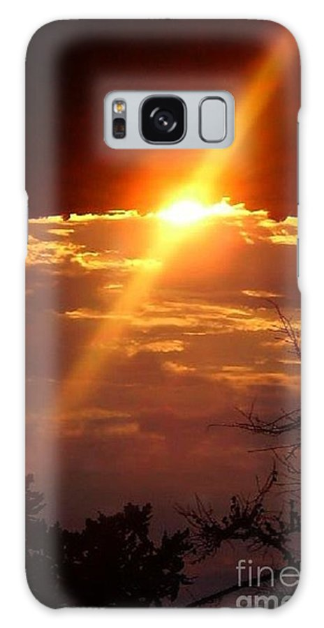 Sunrise. Clouds Galaxy S8 Case featuring the photograph Sun Rise by Beth Grant