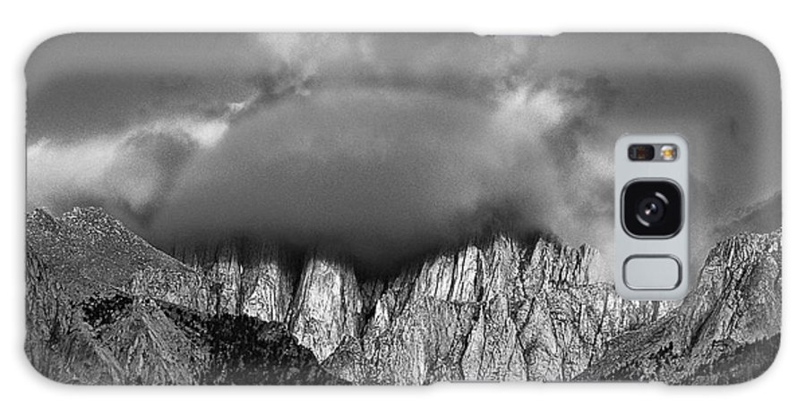 North America Galaxy S8 Case featuring the photograph Sunrise On Mount Whitney Eastern Sierras California by Dave Welling