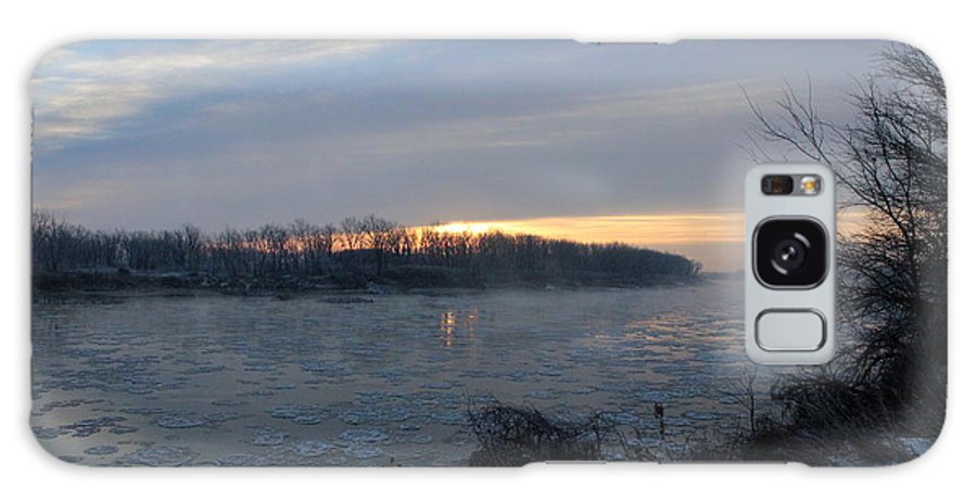 River Galaxy S8 Case featuring the photograph Sunrise On The Missouri River by Dale Mark