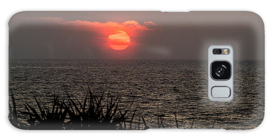 Sri Lanka Galaxy S8 Case featuring the photograph Sunset And Grass by Guillaume Gauthereau