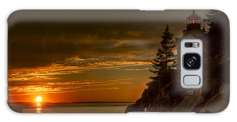 Acadia National Park Galaxy S8 Case featuring the photograph Sunset At Bass Harbor Lighthouse by Oscar Gutierrez