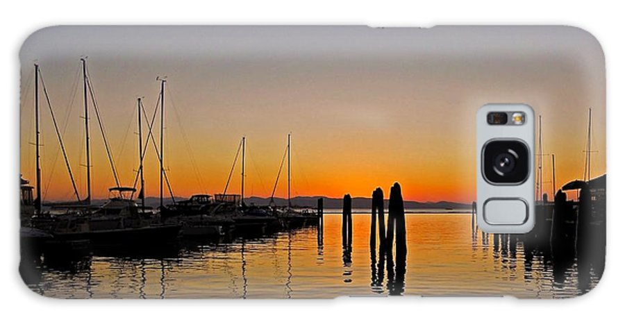 North America Galaxy S8 Case featuring the photograph Sunset At Burlington Bay - Vermont by Juergen Weiss