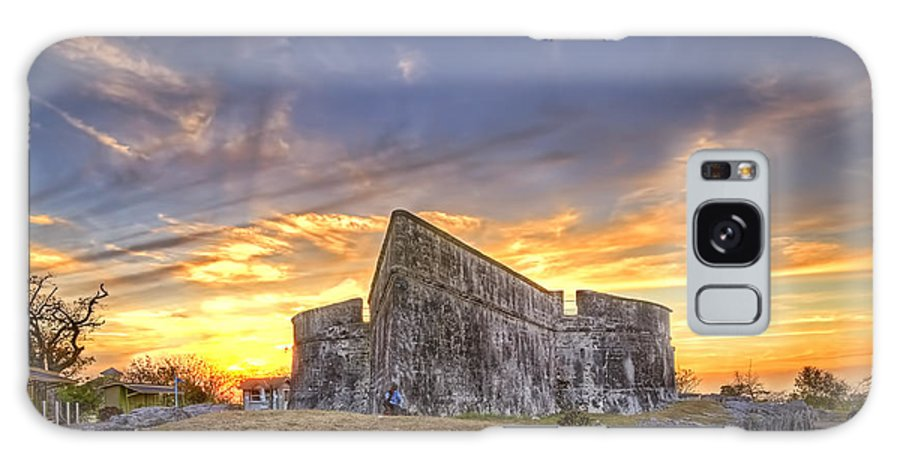 Sunset Galaxy S8 Case featuring the photograph Sunset At Fort Fincastle by Rashad Penn