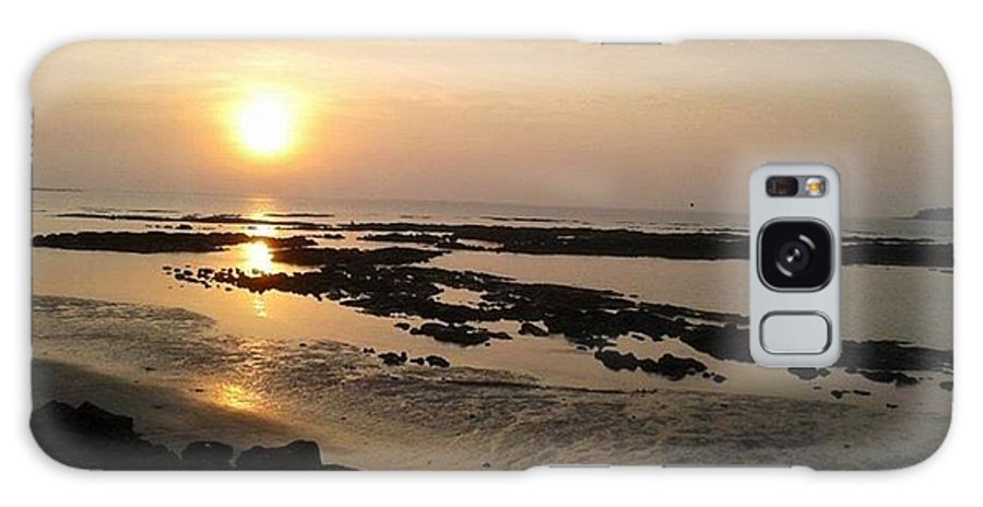 Sun Set Galaxy S8 Case featuring the photograph Sunset At Marine Drive by Monalisa Nayak