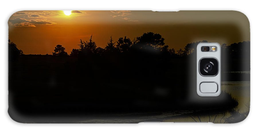 Silhouette Galaxy S8 Case featuring the photograph Sunset At Oyster Cove II by Greg Reed