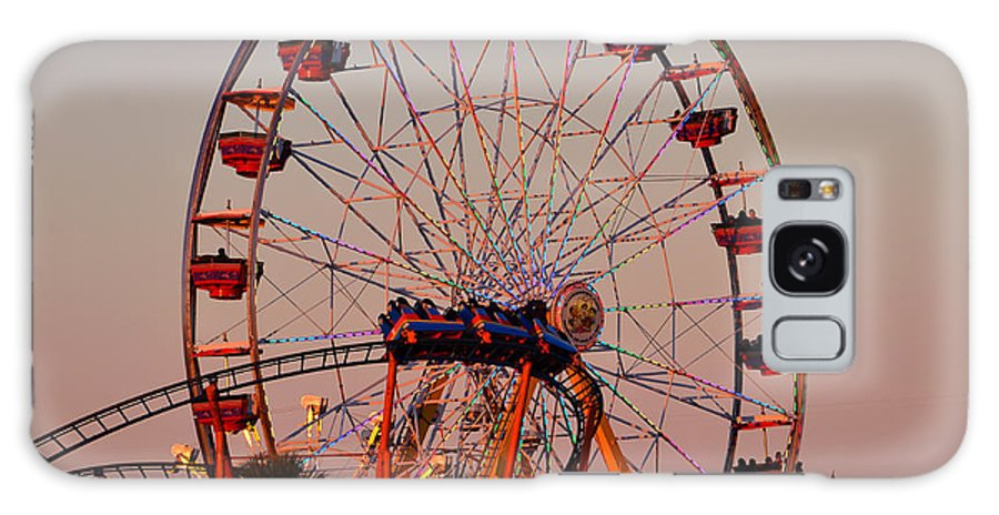 State Fair Rides Galaxy S8 Case featuring the photograph Sunset At The Fair by David Lee Thompson