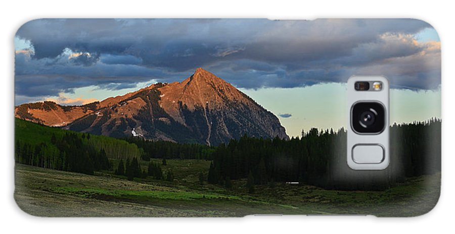 Crested Butte Galaxy S8 Case featuring the photograph Sunset On The Butte by Kelly Black
