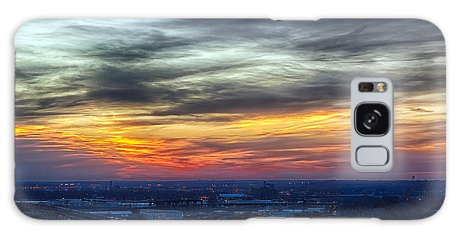 Kansas City Galaxy S8 Case featuring the photograph Sunset Over The Metro by Sennie Pierson