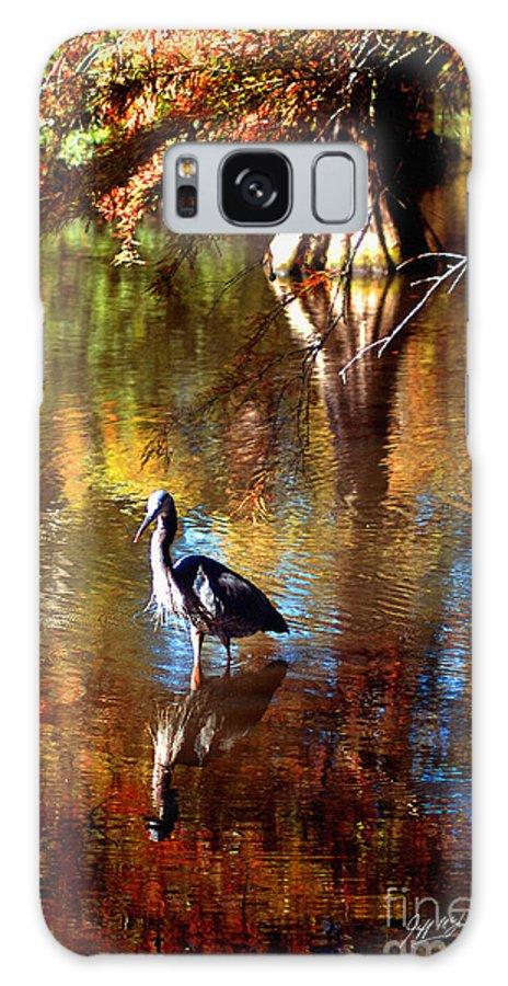 Swan Lake Galaxy S8 Case featuring the photograph Swan Lake Heron II by Jeff McJunkin