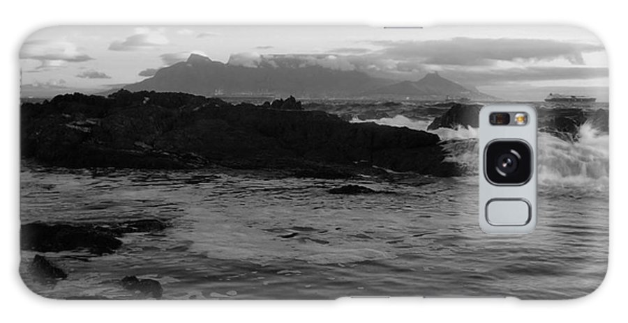 Black And White Galaxy S8 Case featuring the photograph Table Mountain Black And White 2 by Charl Bruwer