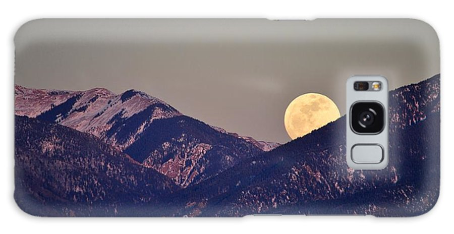 Galaxy S8 Case featuring the photograph Taos Moonrise by Jim ODonnell