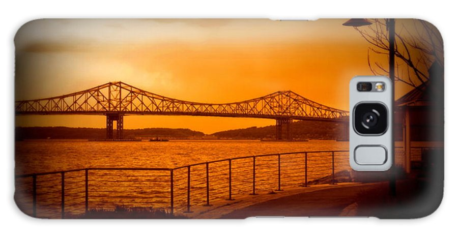Tappan Zee Bridge Galaxy S8 Case featuring the photograph Tappan Zee Bridge Viii by Aurelio Zucco