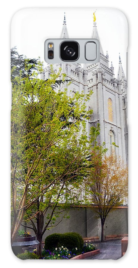 Salt Lake City Temple Galaxy S8 Case featuring the photograph Temple In Sight by Dianna Lindahl