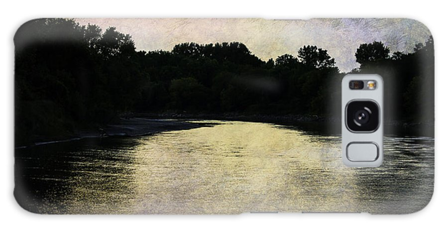 River Galaxy S8 Case featuring the photograph Tender Sundown by Judy Hall-Folde