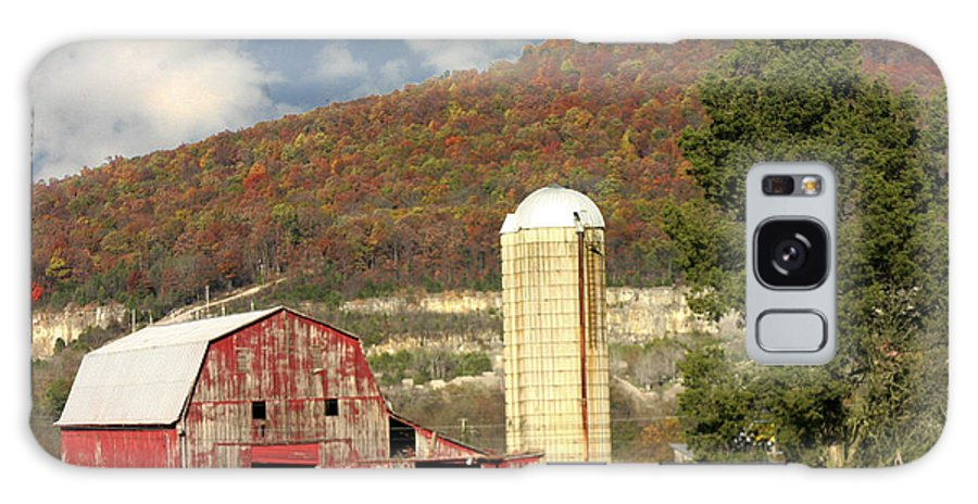 Landscape Galaxy S8 Case featuring the photograph Tennessee Barn 2 by Robert Camp