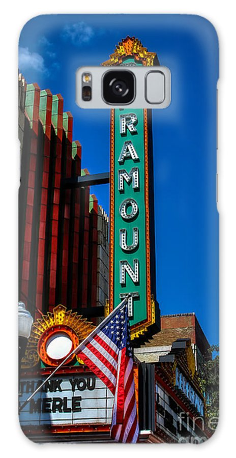Bristol Tennessee Virginia Tn Va Paramount Theatre State Street St Galaxy S8 Case featuring the photograph Thank You Merle by Karl Greeson