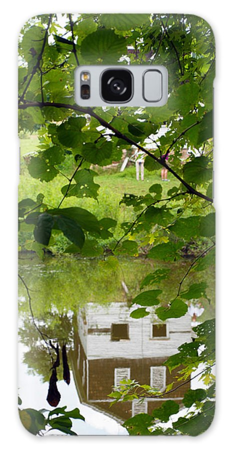 Cabins Galaxy S8 Case featuring the photograph The Barn In The Water by Robert Margetts