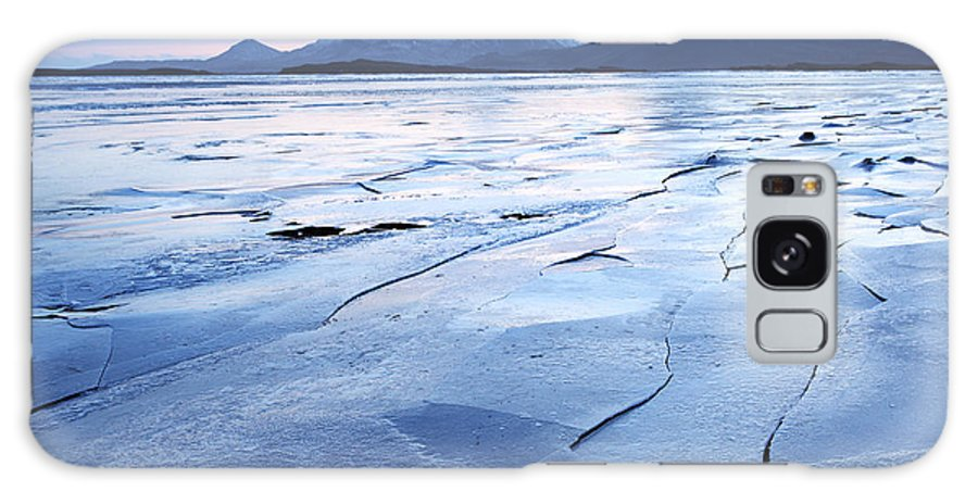 Iceland Galaxy S8 Case featuring the photograph The Entrance To The East Fjords Iceland by Ollie Taylor