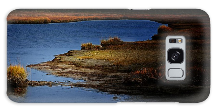 Landscape Galaxy S8 Case featuring the photograph The Lay Of The Land by Robert McCubbin