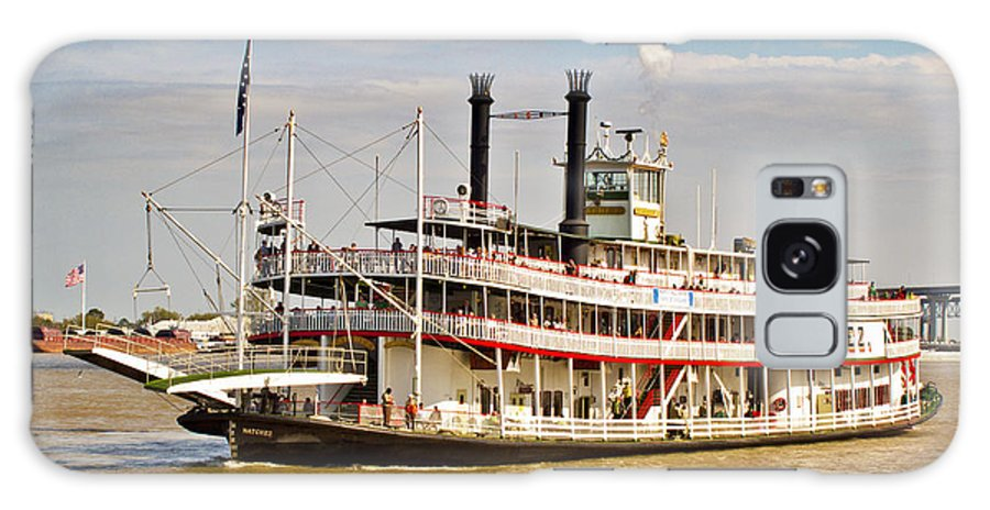 Steamboat Galaxy S8 Case featuring the photograph The Natchez by Jaime Crosas