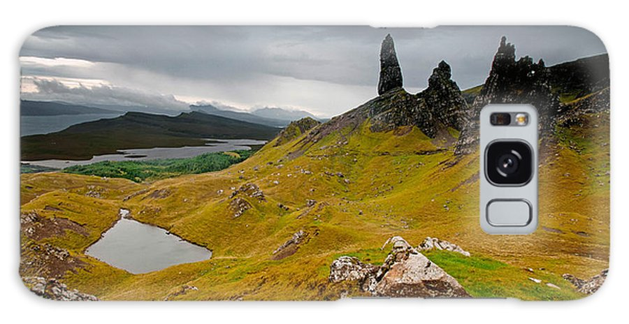 Skye Galaxy S8 Case featuring the photograph The Old Man Of Storr by Jim Southwell