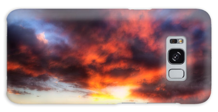 Sky Clouds Sunset Red Orange Blue Yellow Horizon Sw Southwest new Mexico Nm Sw Southwest Albuquerque roch Hart Galaxy S8 Case featuring the photograph The Other Evening by Roch Hart