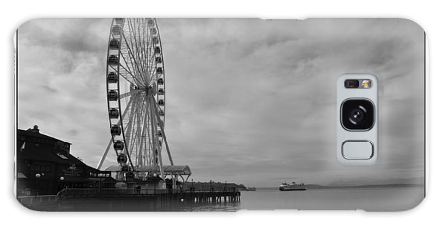 Ferris Wheel Galaxy S8 Case featuring the photograph The Wheel And The Ferry by Kirt Tisdale