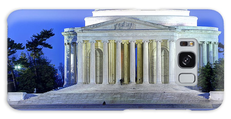 Jefferson Memorial Galaxy S8 Case featuring the photograph Thomas Jefferson Memorial At Night Reflected In Tidal Basin by Gary Whitton