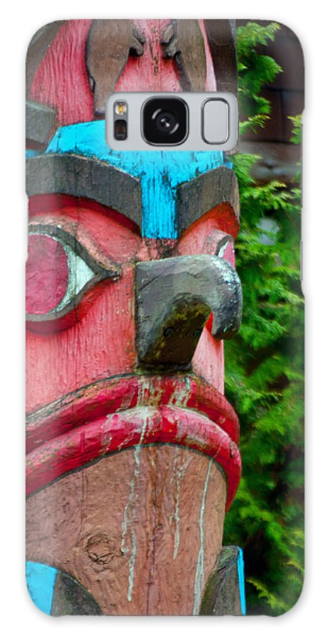 Totem Pole Galaxy S8 Case featuring the photograph Totem Face by Tikvah's Hope