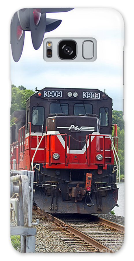Railroad Galaxy S8 Case featuring the photograph Track Star by Joe Geraci
