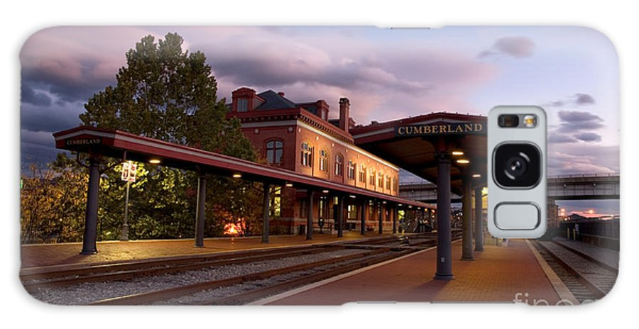 Train Station Galaxy S8 Case featuring the photograph Train Station by Jeannette Hunt
