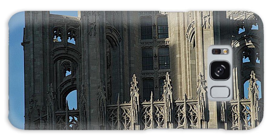 Chicago Galaxy S8 Case featuring the photograph Tribune Tower by Joseph Yarbrough
