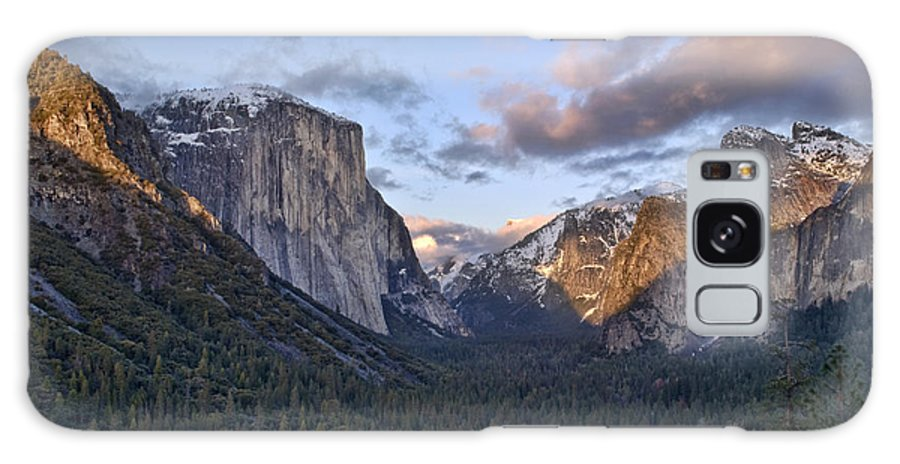 Landscape Galaxy S8 Case featuring the photograph Tunnel View by Richard Verkuyl